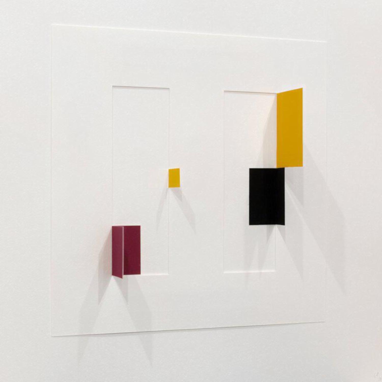 Untitled IV in Acrylglashaube