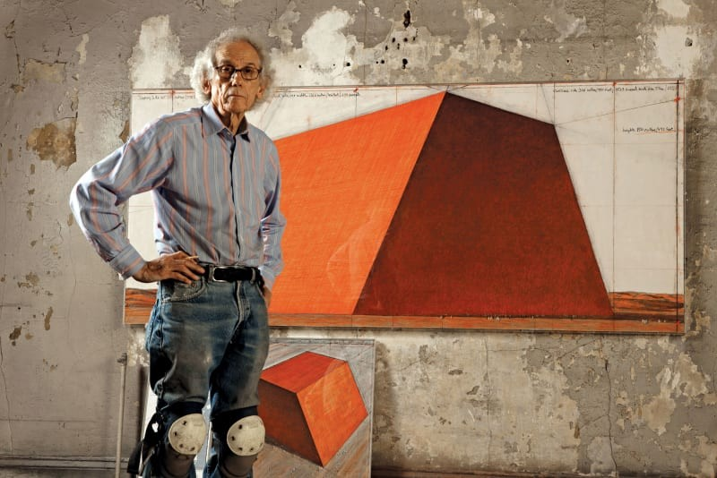 christo-and-jeanne-claude-wolfgang-volz-the-mastaba