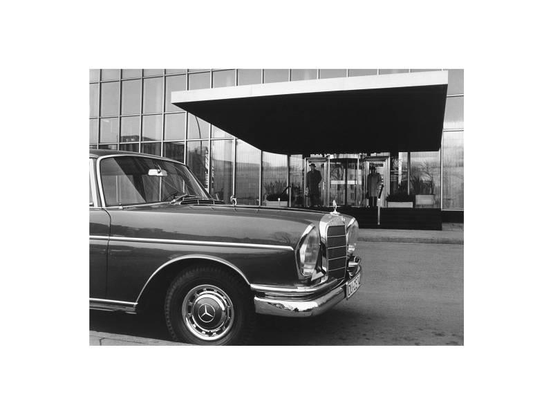 Düsseldorf, Dreischeibenhaus V, 1964